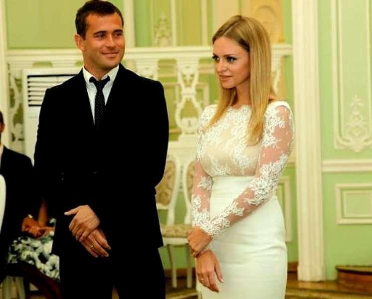 Адвокат Александр Добровинский назвал причину скандала в семье Кержаковых