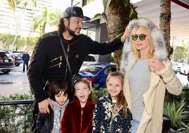 Филипп Киркоров проводит праздники с семьей Кристины Орбакайте