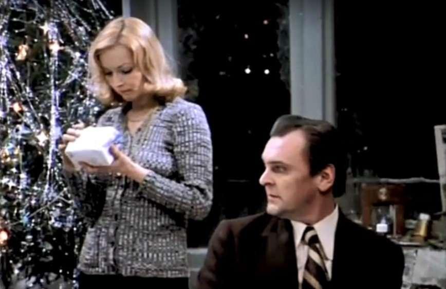 «Испортили Новый год»: Первый канал не покажет «Иронию судьбы» 31 декабря