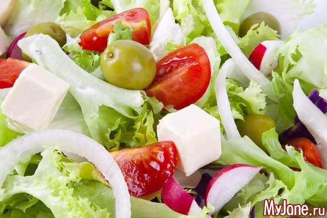 Страви від старості: що приготувати з листя салату?