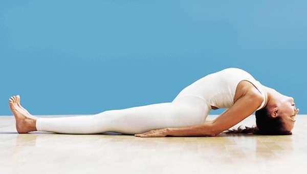 Йога для сяючої шкіри: 7 чарівних асан