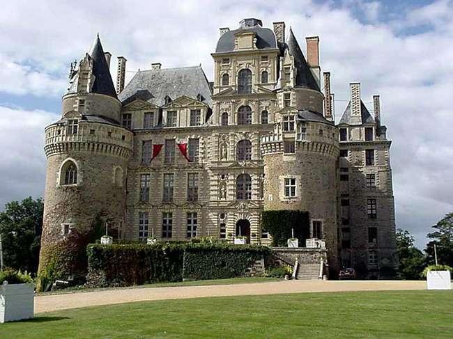 Найпопулярніші замки з привидами