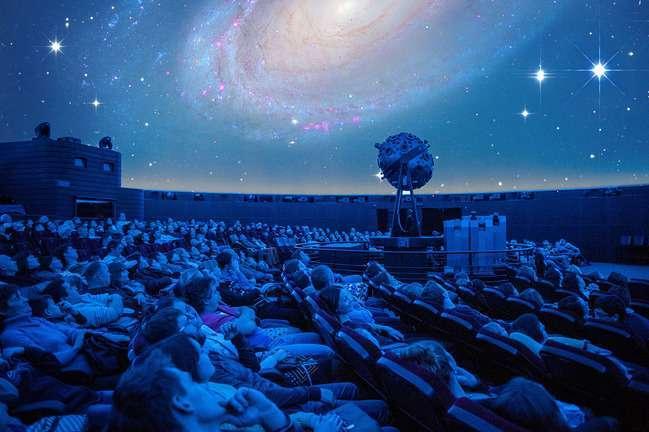 Хотів би я знати, навіщо зірки світяться... Напевно, потім, щоб рано чи пізно кожен міг знову відшукати свою.