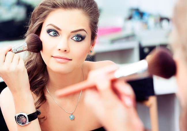 10 косметичних засобів, які знадобляться у відпустці
