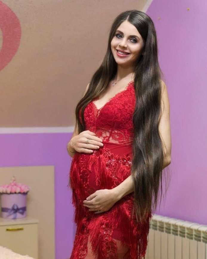 Забобонна Рапунцель боїться за дитину через подарунків Дмитрієнко.